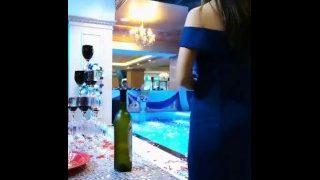 chinese girl 大三学生带着跳蛋给婚礼做司仪直播刺激【同城真人1对1服务搜微sm2020k】